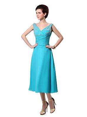 Longuette Chiffon Elegante Vestido de Madrinha - Linha A Decote V com Miçangas / Pregueado