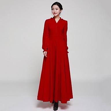 Lange jurk kleine vrouw