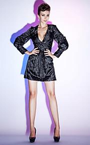 Cocktail Party/Holiday Dress - Black Plus Sizes Sheath/Column V-neck Short/Mini Stretch Satin