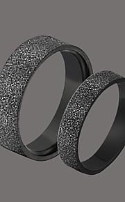 delicate zwart roestvrij staal paar de ringen