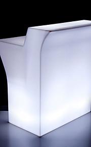 levou móveis, mesa de bar e cadeiras ao ar livre, iluminação LED móveis