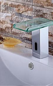 eigentijdse verchroomde afwerking waterval badkamer wastafel kraan met automatische sensor kraan (koud)