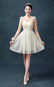 Knee-length Chiffon / Lace Bridesmaid Dress A-line Scoop with Flower(s) / Lace