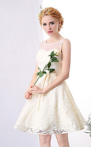 Short / Mini Lace Bridesmaid Dress A-line Scoop with Lace