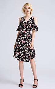 Lanting Bride Knee-length Chiffon Bridesmaid Dress A-line V-neck with Pattern / Print