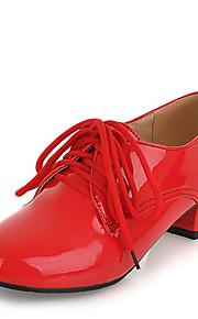 Черный / Красный / Белый / Миндальный-Женский-Для праздника / На каждый день-Дерматин-На низком каблуке-Удобная обувь-Туфли на шнуровке