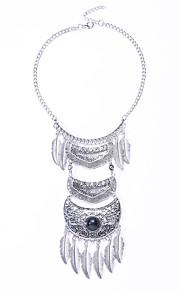 Modische Halsketten Türkis / Obsidian Schmuck Halloween / Hochzeit / Party / Alltag Modisch / Euramerican Aleación Silber 1 Stück Geschenk