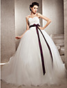 Ball Gown Petite / Plus Sizes Wedding Dress - Ivory Chapel Train Sweetheart Tulle / Lace