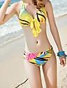 Donna Foglia modello indossato una varieta di Sexy Bikini con filato Batch